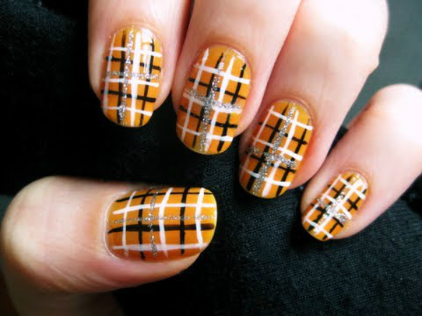 Easy Halloween Plaid Nails