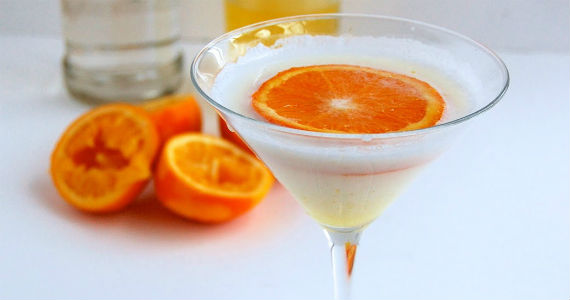 cake_vodka_orange_dreamsicle_martini_recipe-570x300