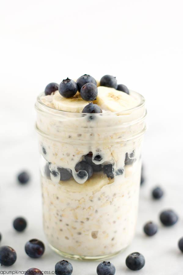 banana blueberry overnight oats
