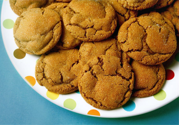 chewy-ginger-molasses-cookies