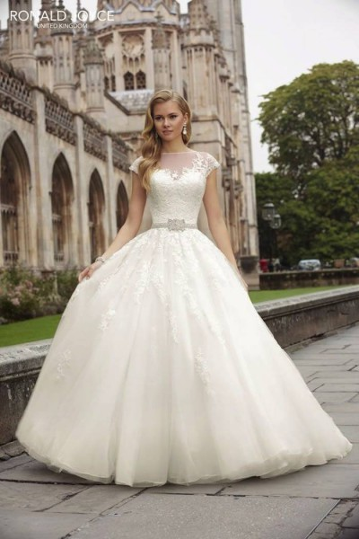 modest-wedding-dresses-32-08292015-ky